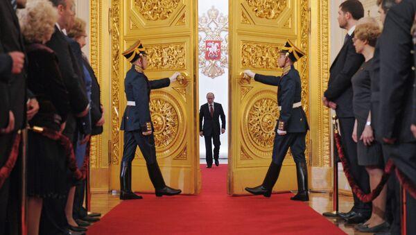 Władimir Putin w Wielkim Pałacu Kremlowskim podczas ceremonii objęcia stanowiska prezydenta, 2012 rok - Sputnik Polska
