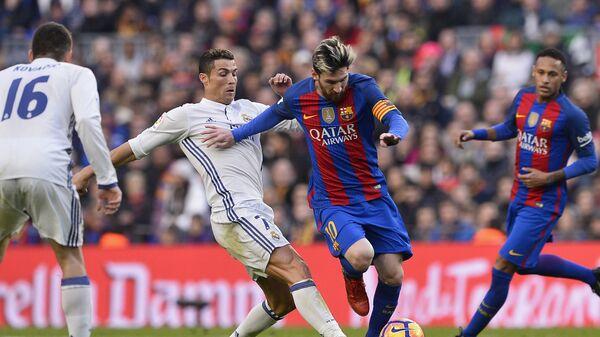 Cristiano Ronaldo i Lionel Messi - Sputnik Polska