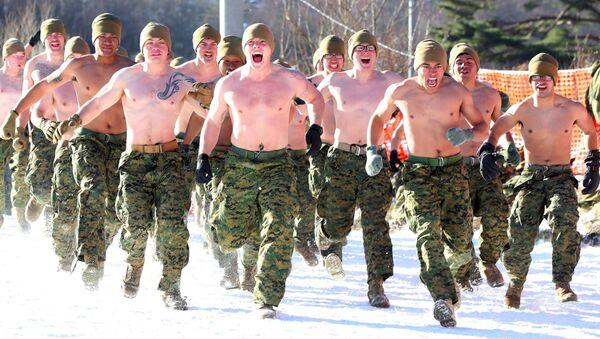 Zimowe manewry amerykańskich i południowokoreańśkich żołnierzy w Pjongczangu - Sputnik Polska