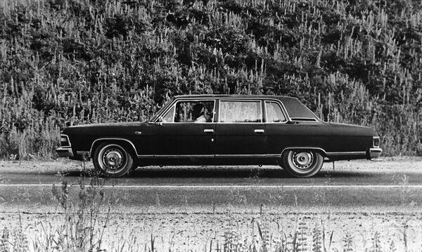 Luksusowy pojazd GAZ-14 Czajka - Sputnik Polska