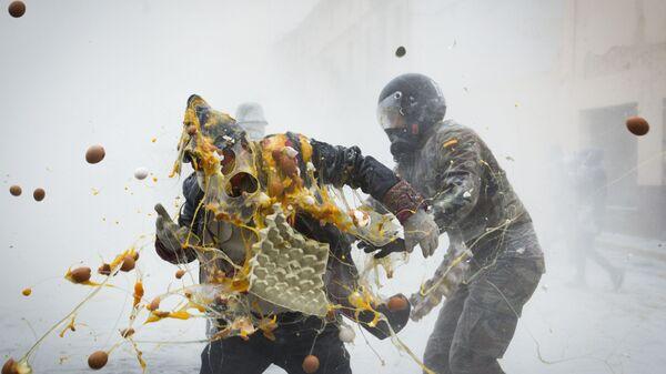 Bitwa na jajka i mąkę w Hiszpanii - Sputnik Polska
