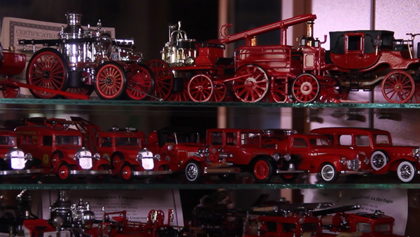 W kolekcji strażaka z Ufy Naila Ildrasowa znajduje się prawie 1000 modeli wozów strażackich - Sputnik Polska