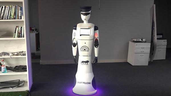 Robot policjant z Indii - Sputnik Polska