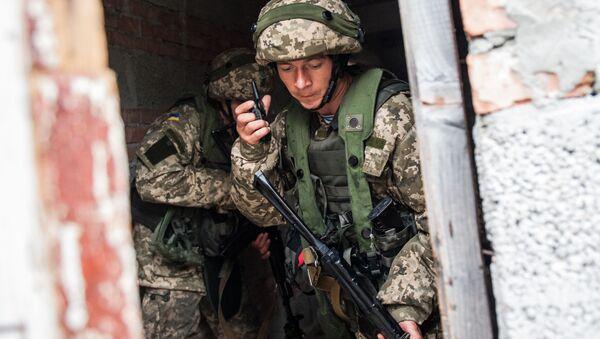 Ukraińscy piechurzy morscy podczas ćwiczeń wojskowych. Zdjęcie archiwalne - Sputnik Polska