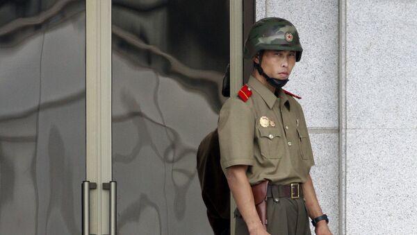 Żołnierz północnokoreańskiej armii - Sputnik Polska