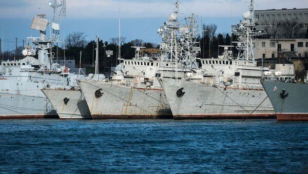Ukraińskie okręty wojskowe na Krymie - Sputnik Polska