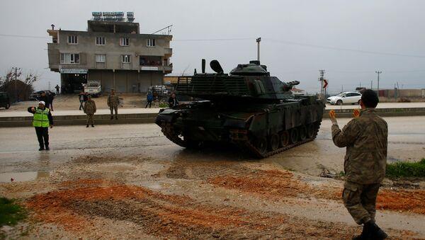 Czołg tureckiej armii na turecko-syryjskiej granicy w prowincji Hatay - Sputnik Polska