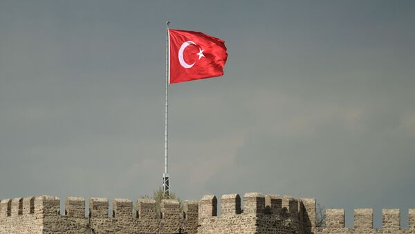 Flaga Turcji nad twierdzą Hisar w Ankarze - Sputnik Polska