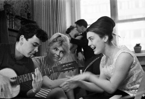 Rosyjscy studenci w ZSRR i dziś, 1965 rok - Sputnik Polska
