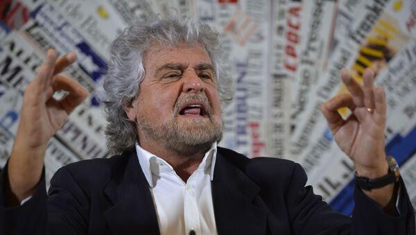 Włoski komik i lider Ruchu Pięciu Gwiazd Beppe Grillo - Sputnik Polska