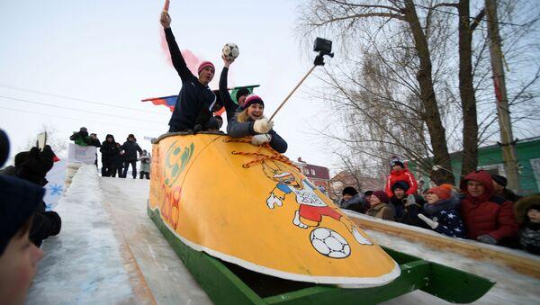 Festiwal kreatywnych pojazdów śnieżnych Sunnyfest w Republice Tatarstanu - Sputnik Polska
