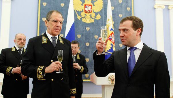 Siergiej Ławrow i Dmitrij Miedwiediew - Sputnik Polska