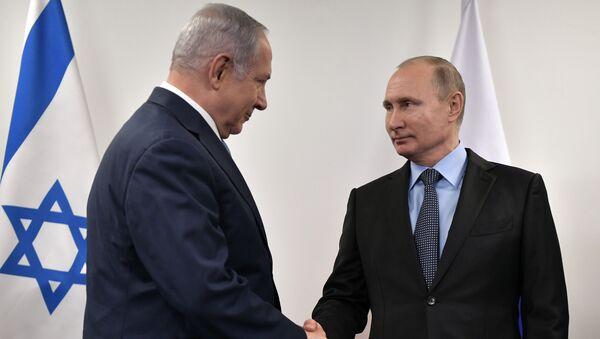 Premier Izraela Benjamin Netanjahu i prezydent Rosji Władimir Putin na spotkaniu w Muzeum Żydowskim i Centrum Tolerancji - Sputnik Polska