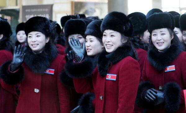 Cheerleaderki z Korei Północnej przyjechały na Olimpiadę - Sputnik Polska