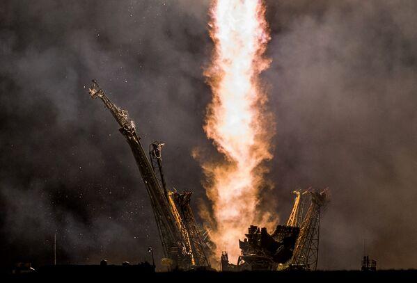 Start rakiety Sojuz TMA-14M na kosmodromie Bajkonur - Sputnik Polska
