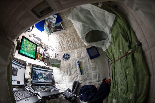 Pomieszczenie mieszkalne na pokładzie MSK - Sputnik Polska