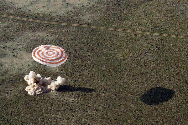 Kapsuła powrotna statku Sojuz TMA-3 - Sputnik Polska