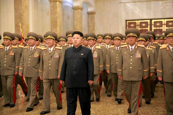 Przywódca Korei Północnej Kim Dzong Un w Pałacu Kŭmsusan w dniu obchodów 62. rocznicy zakończenia wojny koreańskiej - Sputnik Polska