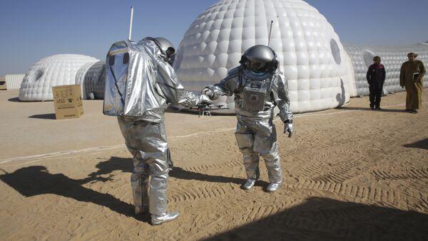 Ekspedycja  AMADEE-18 ćwiczy modelowanie życia na Marsie na pustyni w Omanie - Sputnik Polska