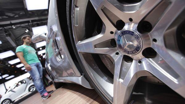 Stoisko firmy Mercedes-Benz na Moskiewskim Międzynarodowym Salonie Samochodowym - Sputnik Polska