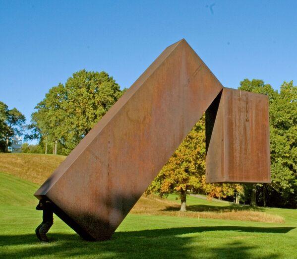 Rzeźby w Storm King Art Center w Nowym Jorku - Sputnik Polska