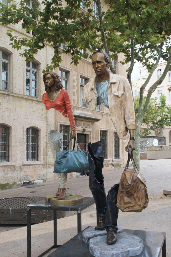 Rzeźba Les Voyageurs we Francji - Sputnik Polska