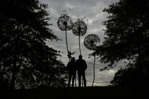 Rzeźba Dandelion Sculpture w Wielkiej Brytanii - Sputnik Polska