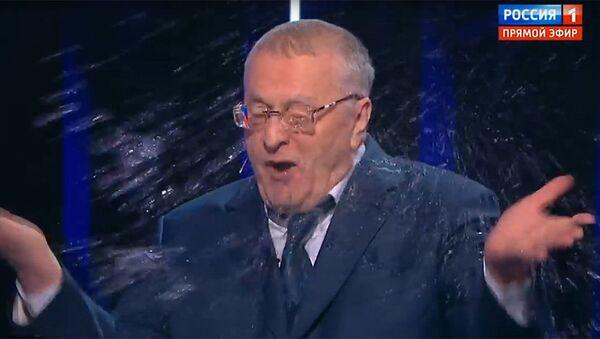 Kandydat na prezydenta Rosji, lider LDPR Władimir Żyrinowski w czasie debaty telewizyjnej - Sputnik Polska