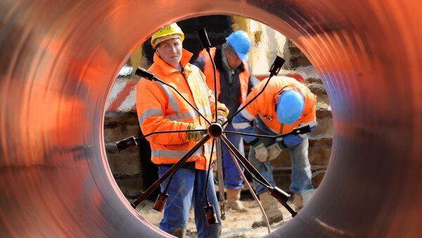 Spawanie rur na budowie gazociągu w Niemczech - Sputnik Polska