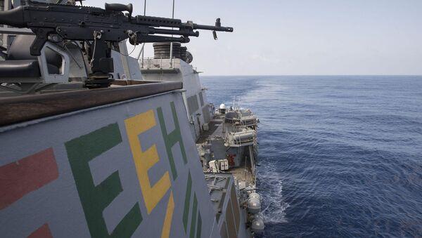 Niszczyciel rakietowy marynarki wojennej USA USS Ross - Sputnik Polska