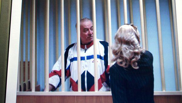 Były pułkownik GRU Siergiej Skripal podczas procesu w Moskwie, 2010 rok - Sputnik Polska