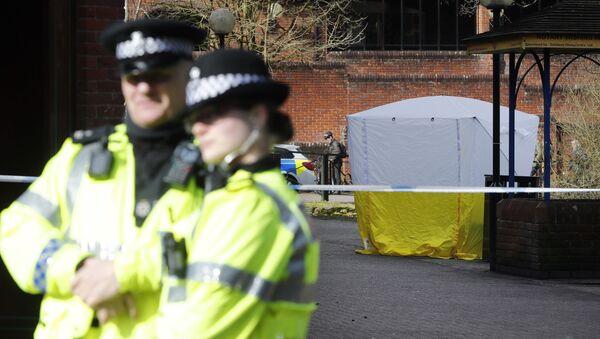 Siergiej Skripal wraz z córką zostali znalezieni 4 marca nieprzytomni na ławce w Salisbury. - Sputnik Polska