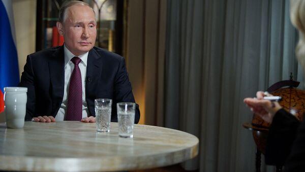 Prezydent Rosji Władimir Putin podczas wywiadu z dziennikarką amerykańskiej stacji telewizyjnej NBC Megyn Kelly w Kaliningradzie - Sputnik Polska