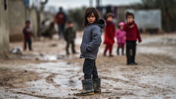 Syryjskie dzieci w obozie dla uchodźców w tureckim Azaz - Sputnik Polska