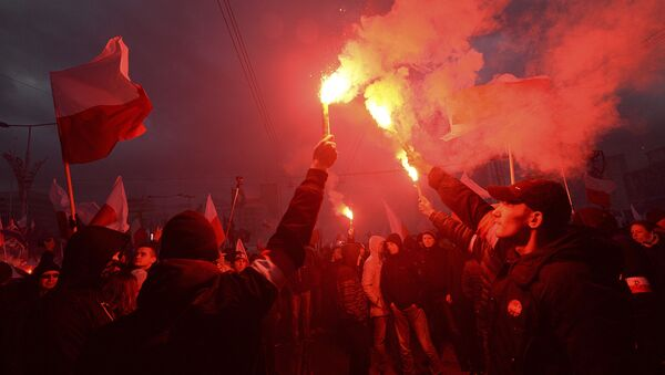 Polscy nacjonaliści podcza Marszu Niepodległości w Warszawie - Sputnik Polska