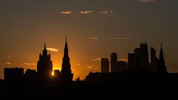 Widok na gmach Ministerstwa Spraw Zagranicznych Rosji, Kreml i centrum Moskwa-City - Sputnik Polska