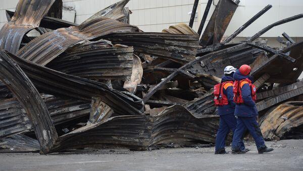 Centrum handlowe Zimniaja Wisznia w Kemerowie po pożarze - Sputnik Polska