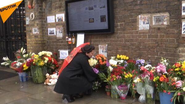 Londyn połączony w żałobie z ofiarami pożaru - Sputnik Polska
