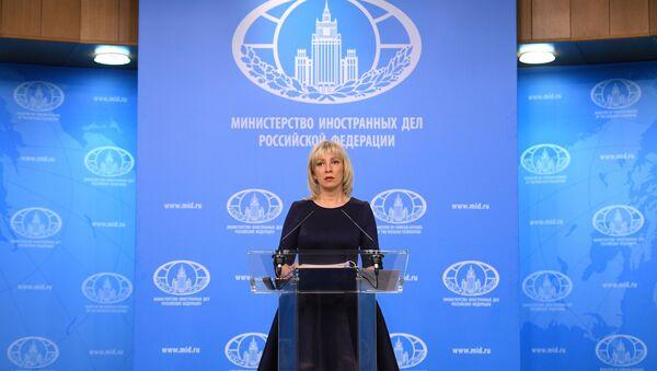 Rzeczniczka Ministerstwa Spraw Zagranicznych Rosji Maria Zacharowa na briefingu - Sputnik Polska