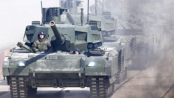 """Czołg T-14 """"Armata"""" podczas próby na Paradzie Zwycięstwa na poligonie wojskowym """"Alabino"""" w obwodzie moskiewskim - Sputnik Polska"""