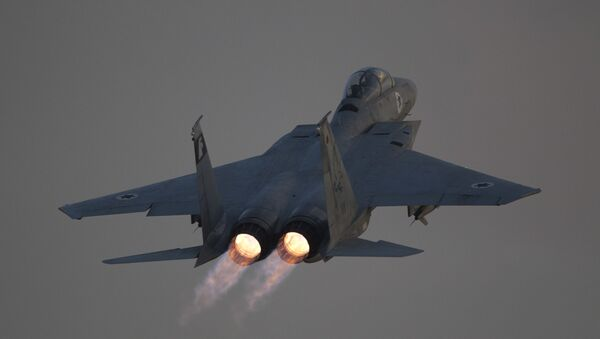 Myśliwiec F-15 izraelskich sił powietrznych - Sputnik Polska