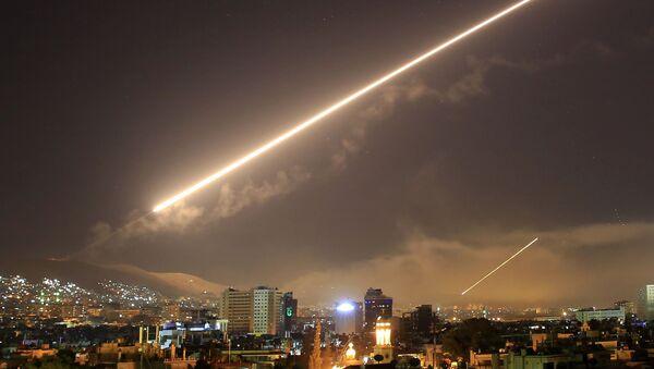 Amerykański atak rakietowy na Damaszek, Syria - Sputnik Polska