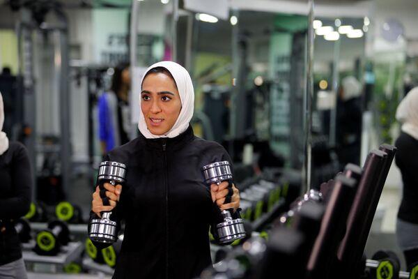 Dziewczyna podczas treningu w Al-Katif, Arabia Saudyjska - Sputnik Polska