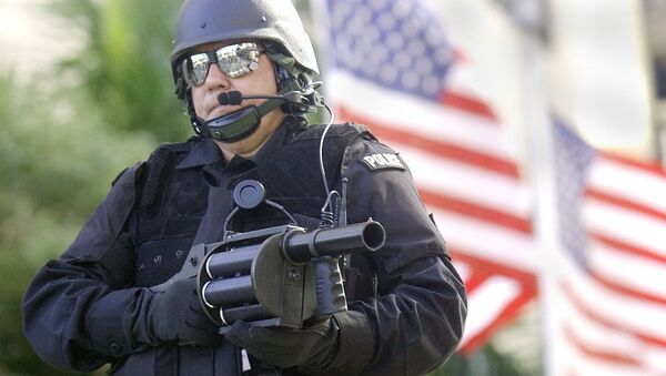 Uzbrojony amerykański policjant - Sputnik Polska