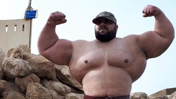 "26-letni Sajad Garibi, zwany ""irańskim Hulkiem"" - Sputnik Polska"
