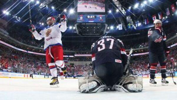 Aleksander Owieczkin w meczu o półfinał Mistrzostw Świata 2015 między USA a Rosją - Sputnik Polska