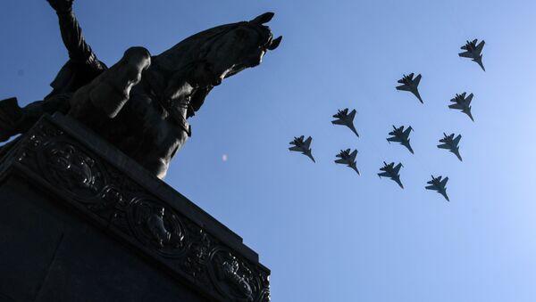 Próba parady Zwycięstwa, Su-30 i Su-35  - Sputnik Polska
