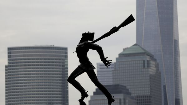 Buildings in Lower Manhattan provide a backdrop to a statue dedicated to the victims of the Katyn massacre of 1940, Friday, May 4, 2018, in Jersey City, N.J. - Sputnik Polska