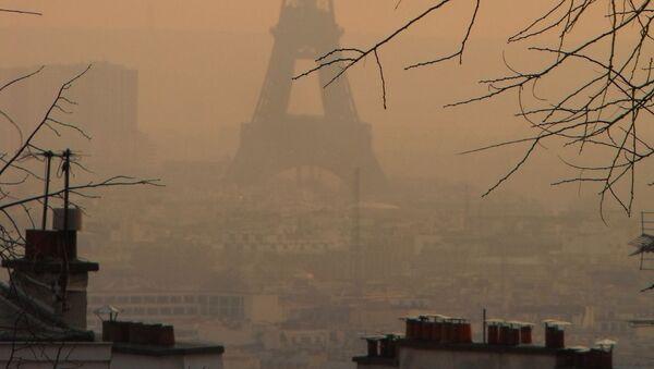 Smog w Paryżu - Sputnik Polska