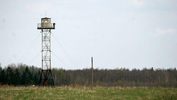 Rosyjska wieża strażnicza na granicy między Rosją a Łotwą - Sputnik Polska